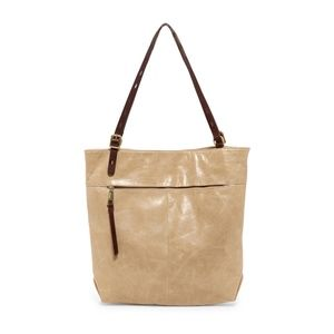 Hobo LENNON leather tote in PUMICE